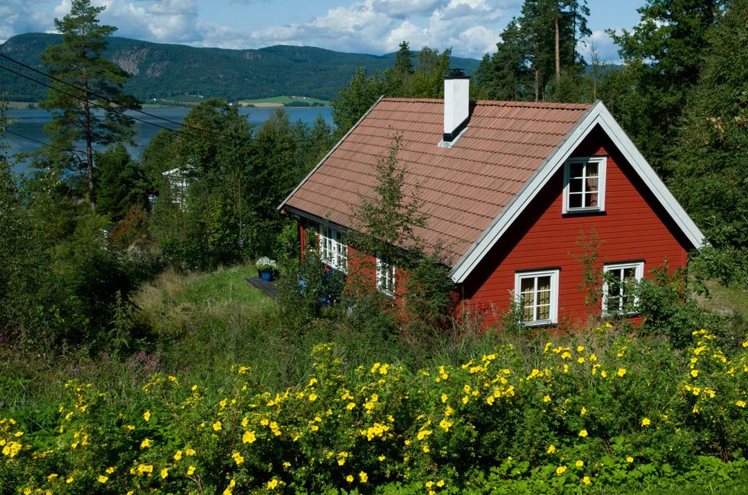 Bilde av hytte. Foto.